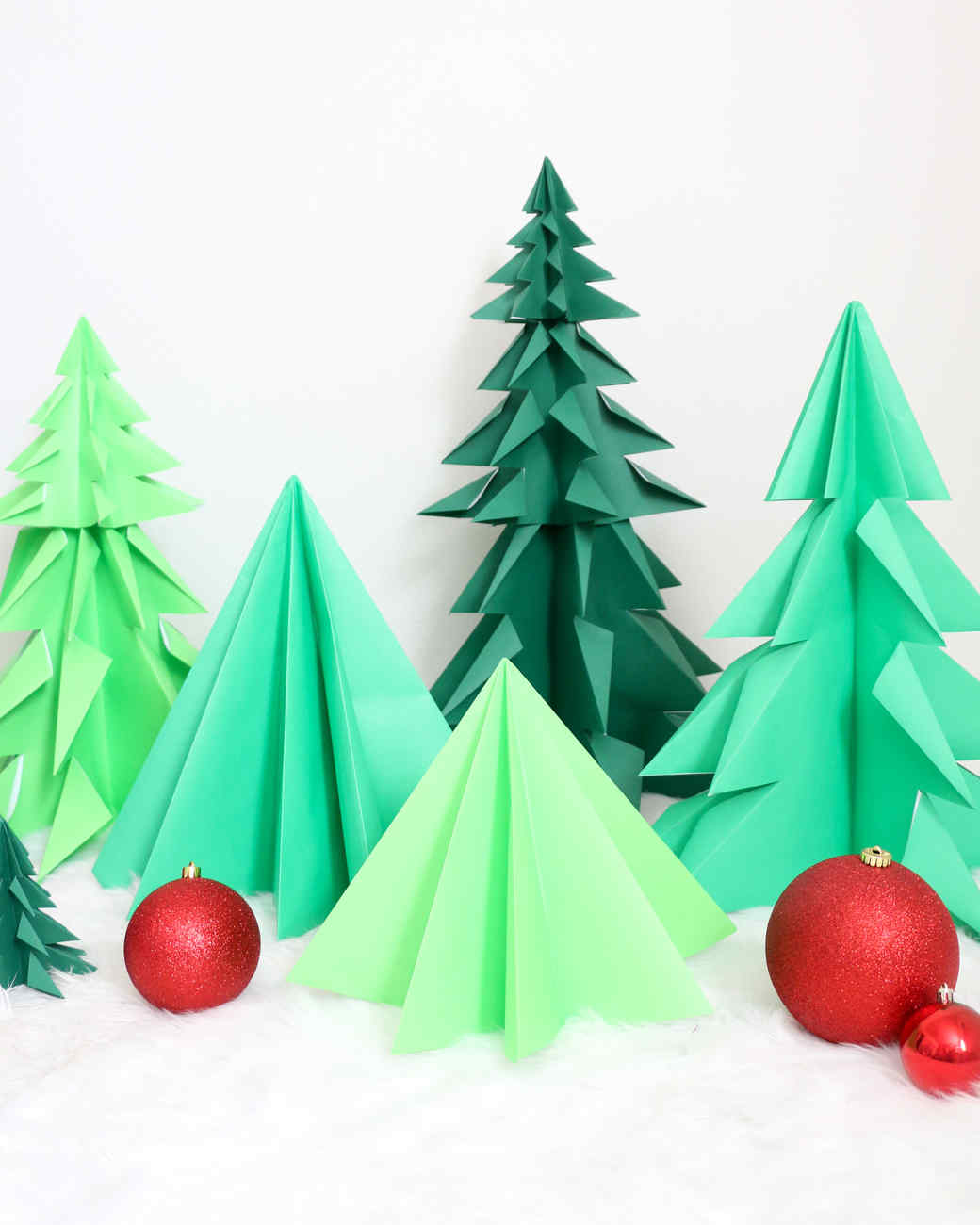 The 10 Best Origami Christmas Ornaments to Make with Your Kids ... | 1300x1040