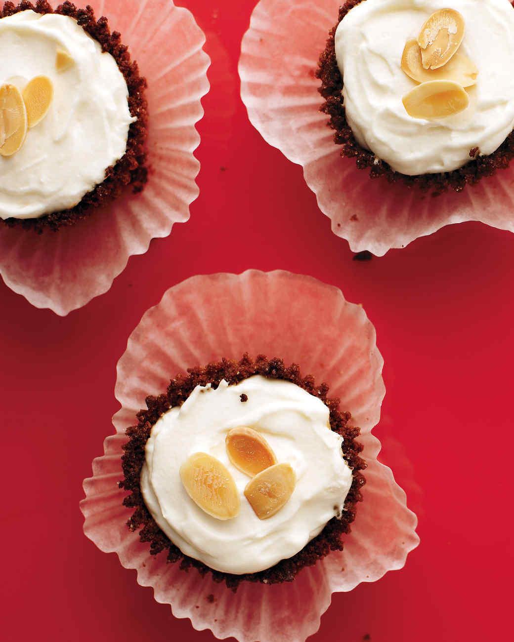 Mini Ginger-Almond Cheesecakes