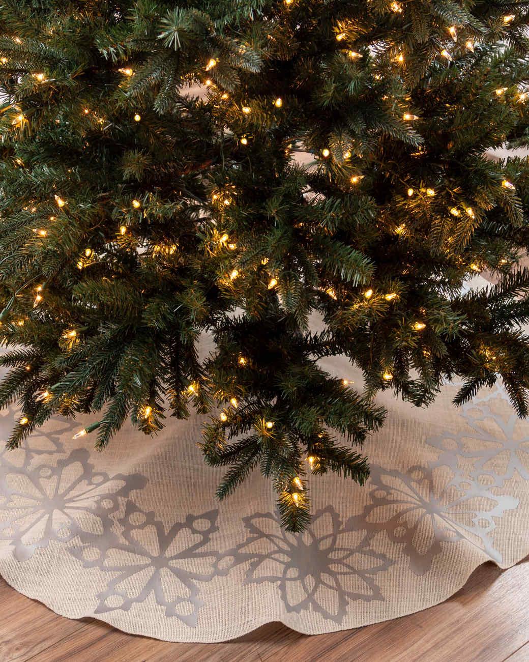 Martha Stewart Cricut® Snowflake Border Tree Skirt   Martha Stewart