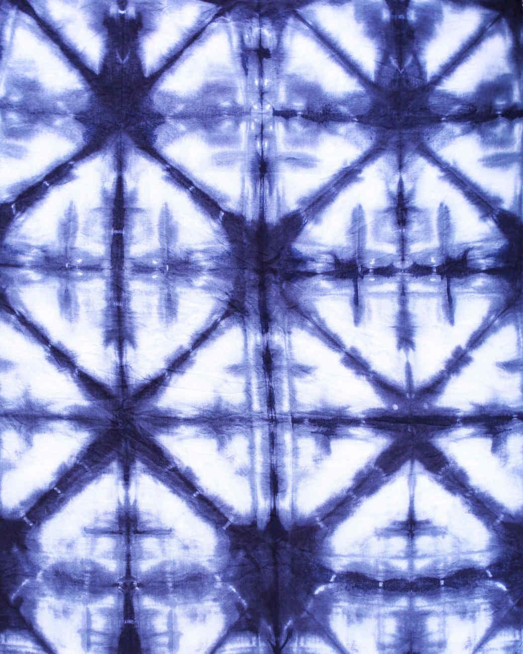 Blue and white Itajime Triangle pattern