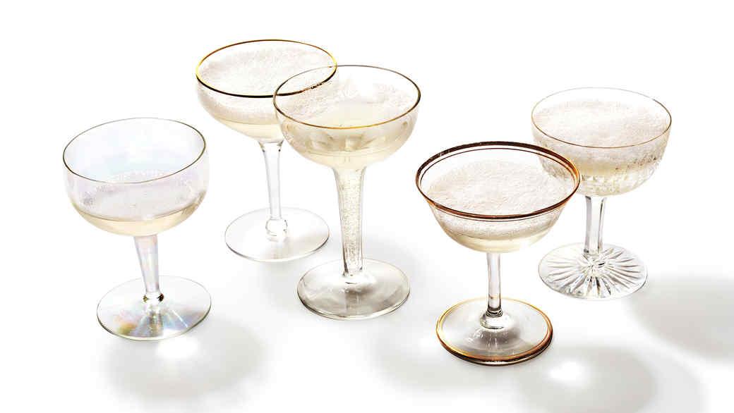 vintage-champagne-coupes-162-d112391.jpg
