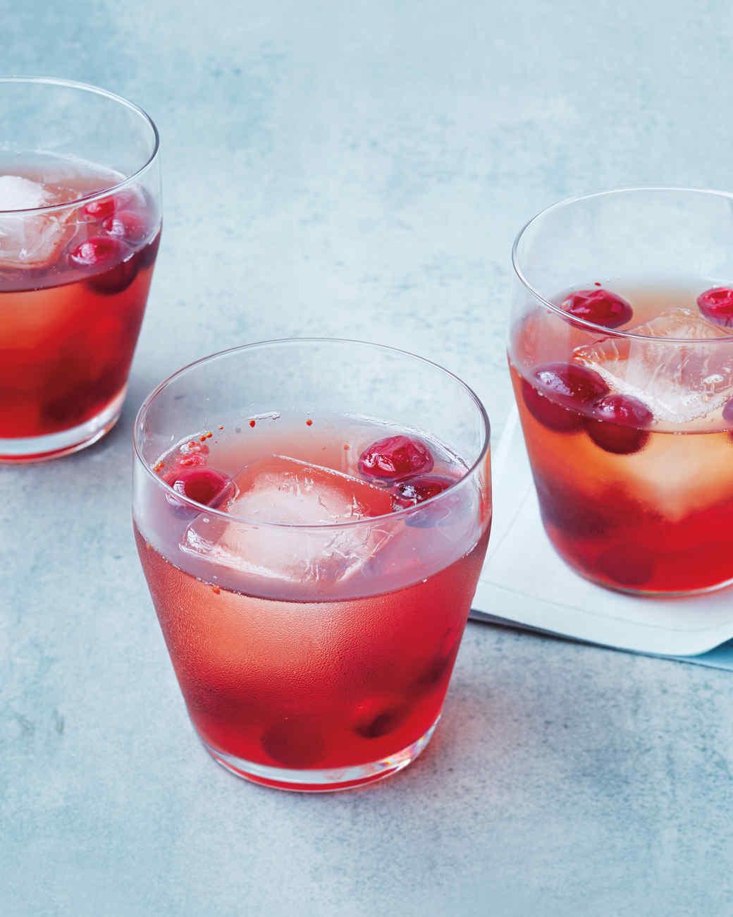 cranberry-shrub-cocktail-0388-d111547.jpg