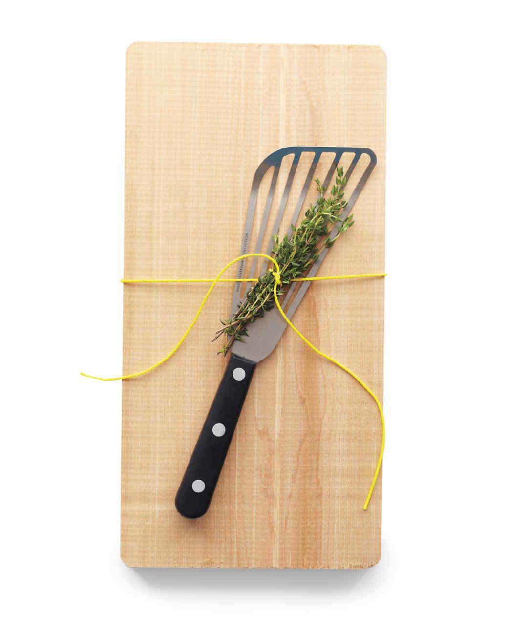 cutting-board-spatula-thyme-mld108821.jpg