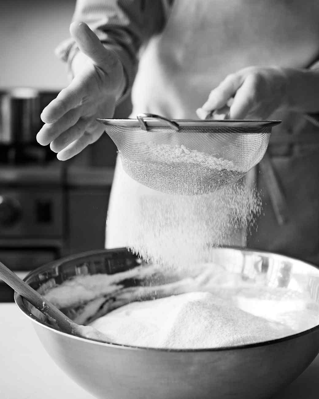 msl-kitchen-sponge-cake-0451-md110059.jpg