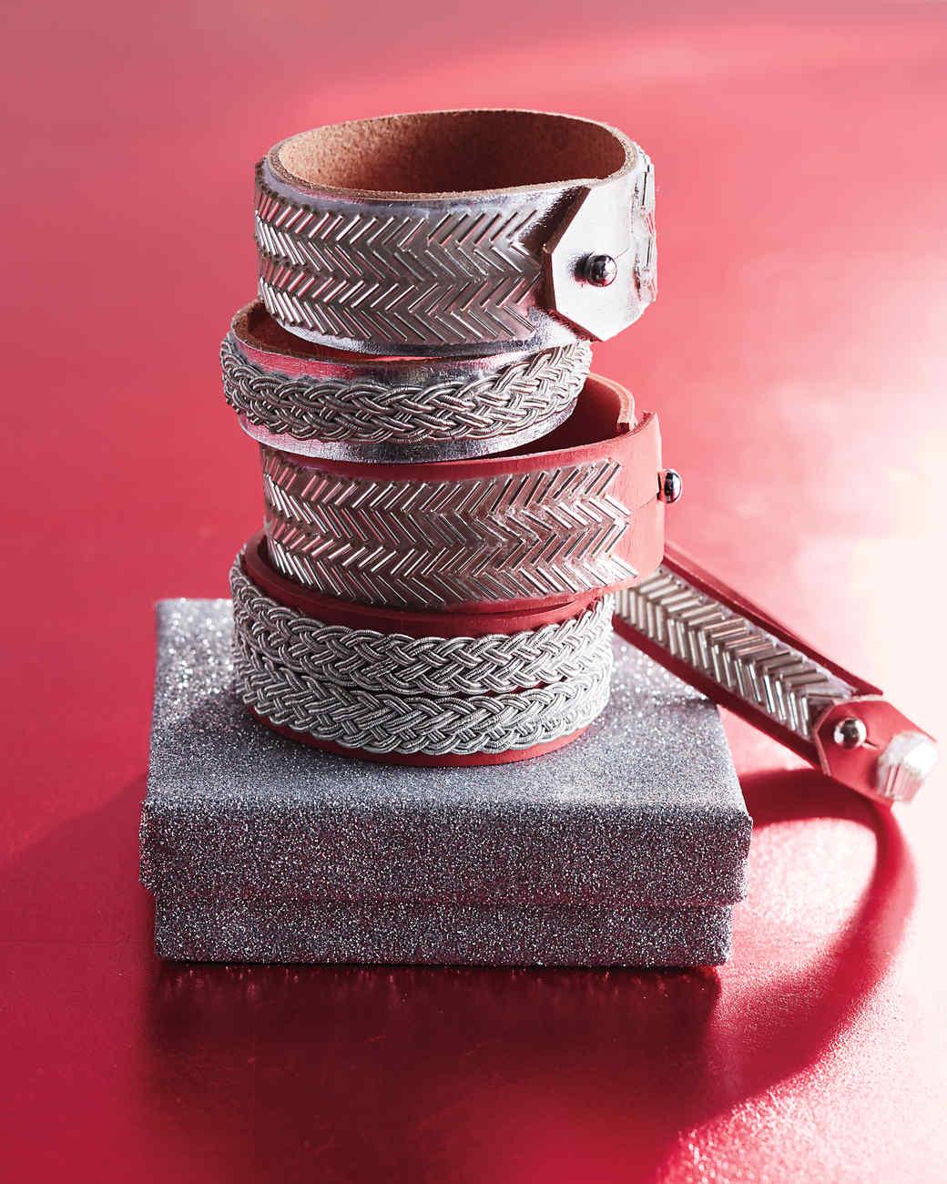silver-leather-bracelets-0288-d112411.jpg