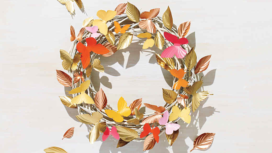 spring-wreath-opener-217-d112760-0416.jpg