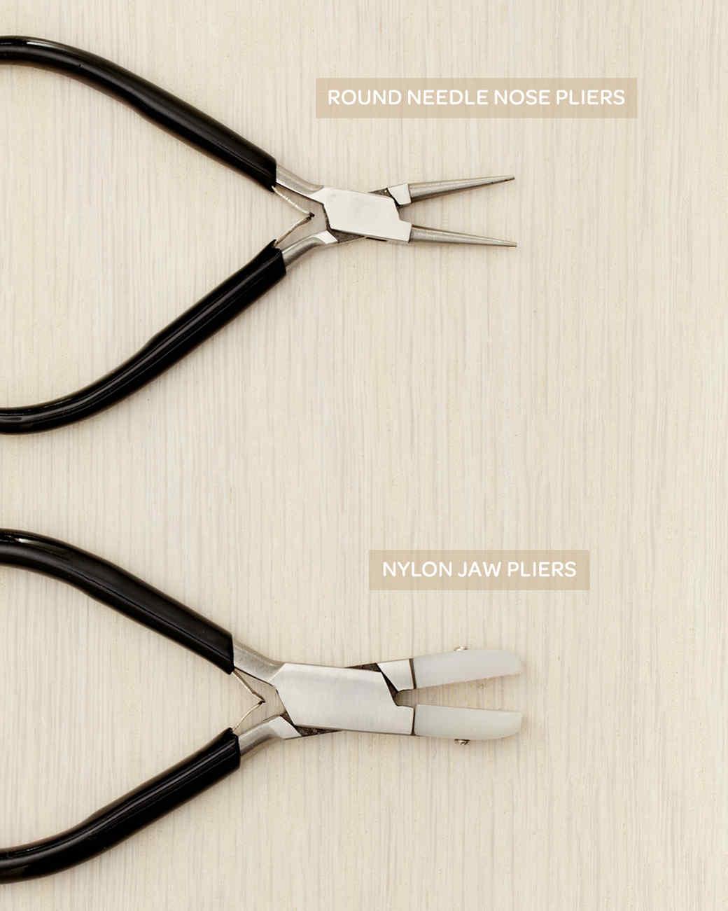 studded-earrings-how-to-002-wld109036.jpg