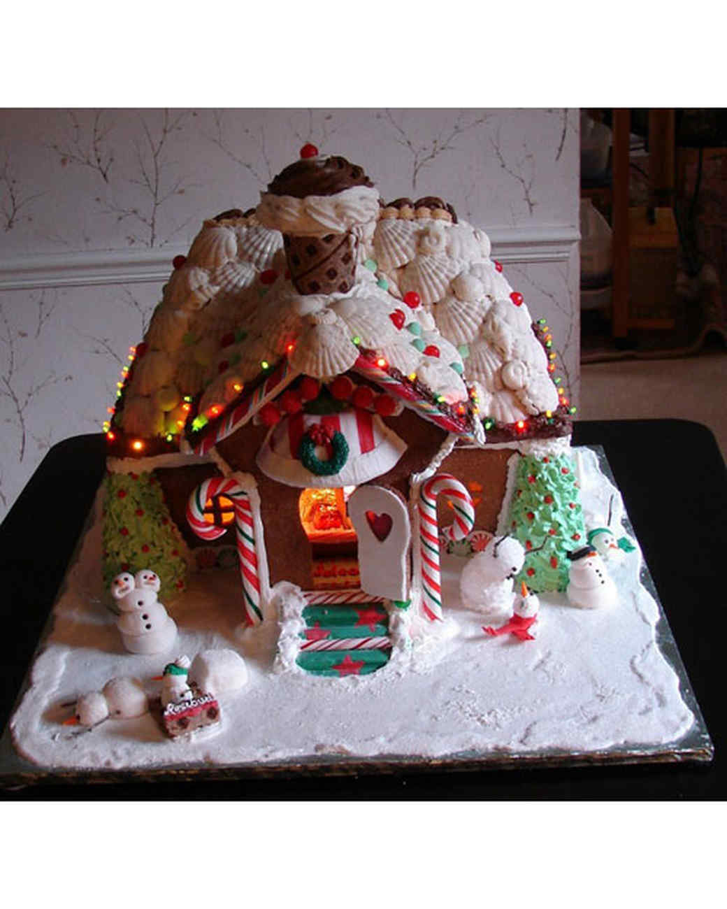 under a chocolate roof - Gingerbread House Christmas Decorations