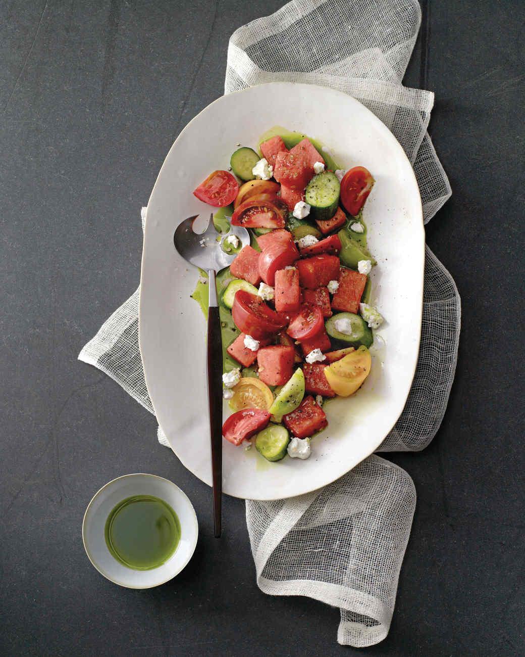 watermelon-tomato-salad-0811mld104304.jpg