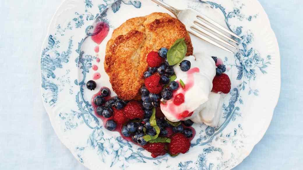lost-kitchen-10-shortcakes-045-d112367.jpg
