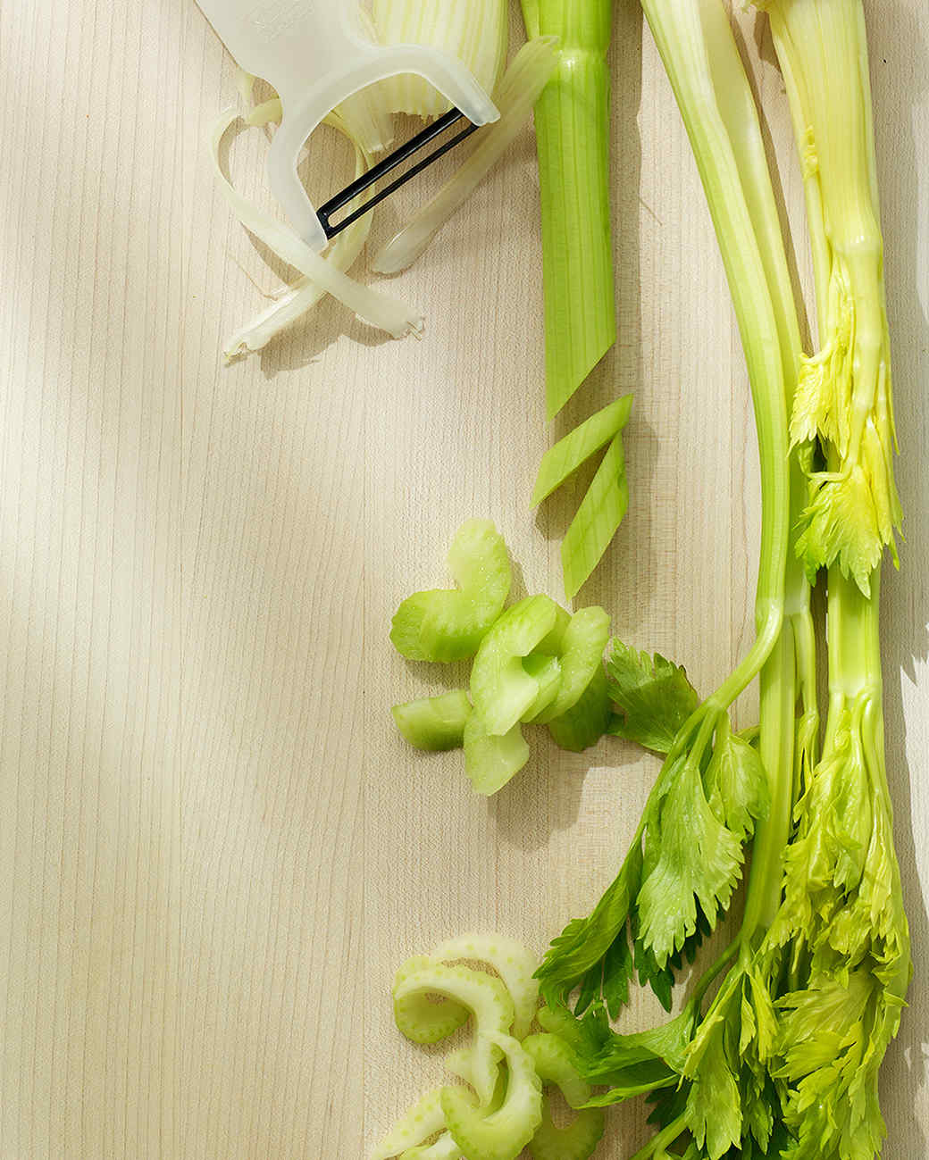 celery-on-cutting-board-ed101894sea002c.jpg