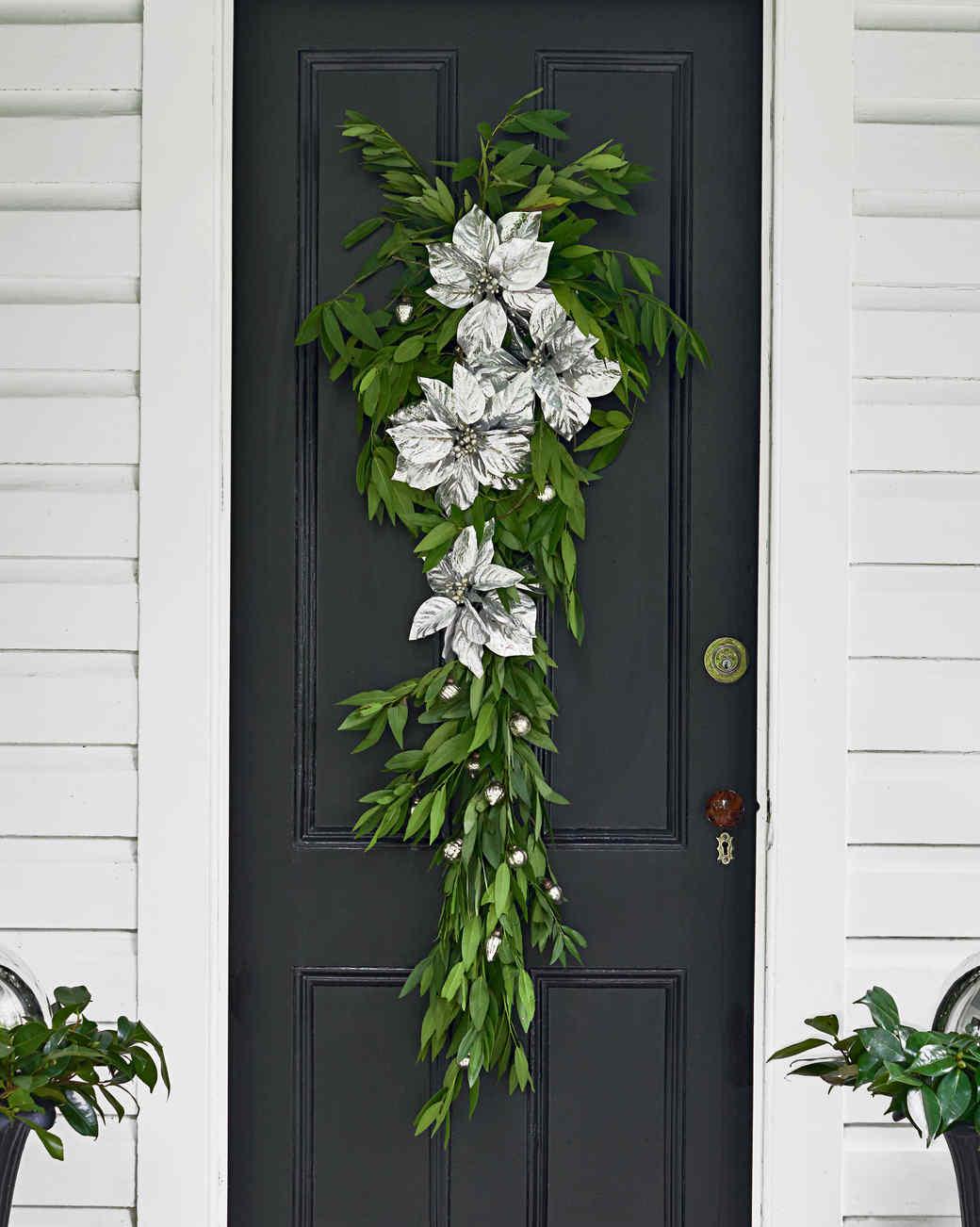 poinsettias door hanging