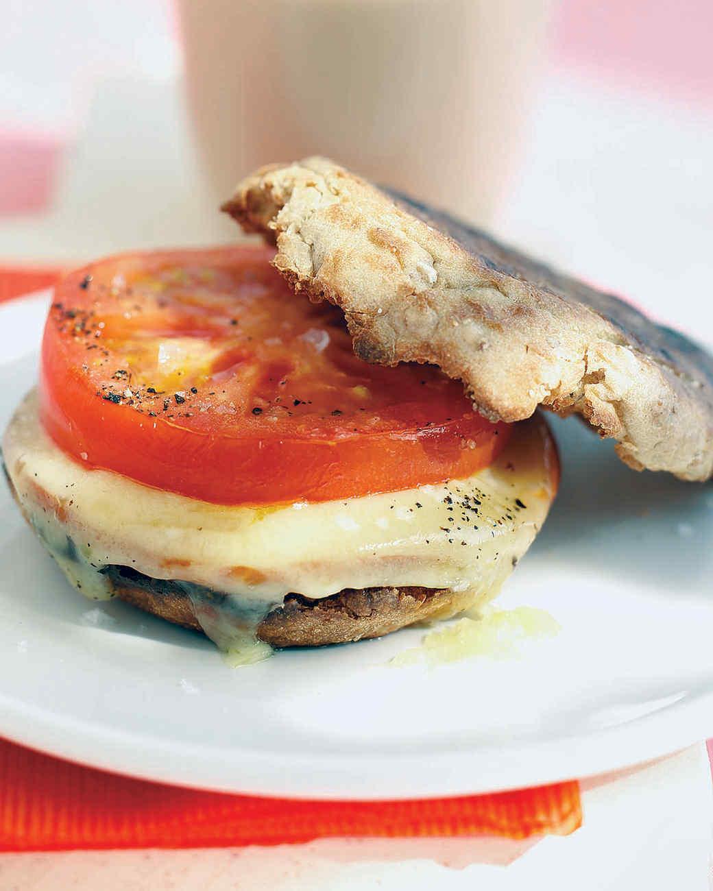 mfd101470hea002_0705_breakfast_sandwich.jpg