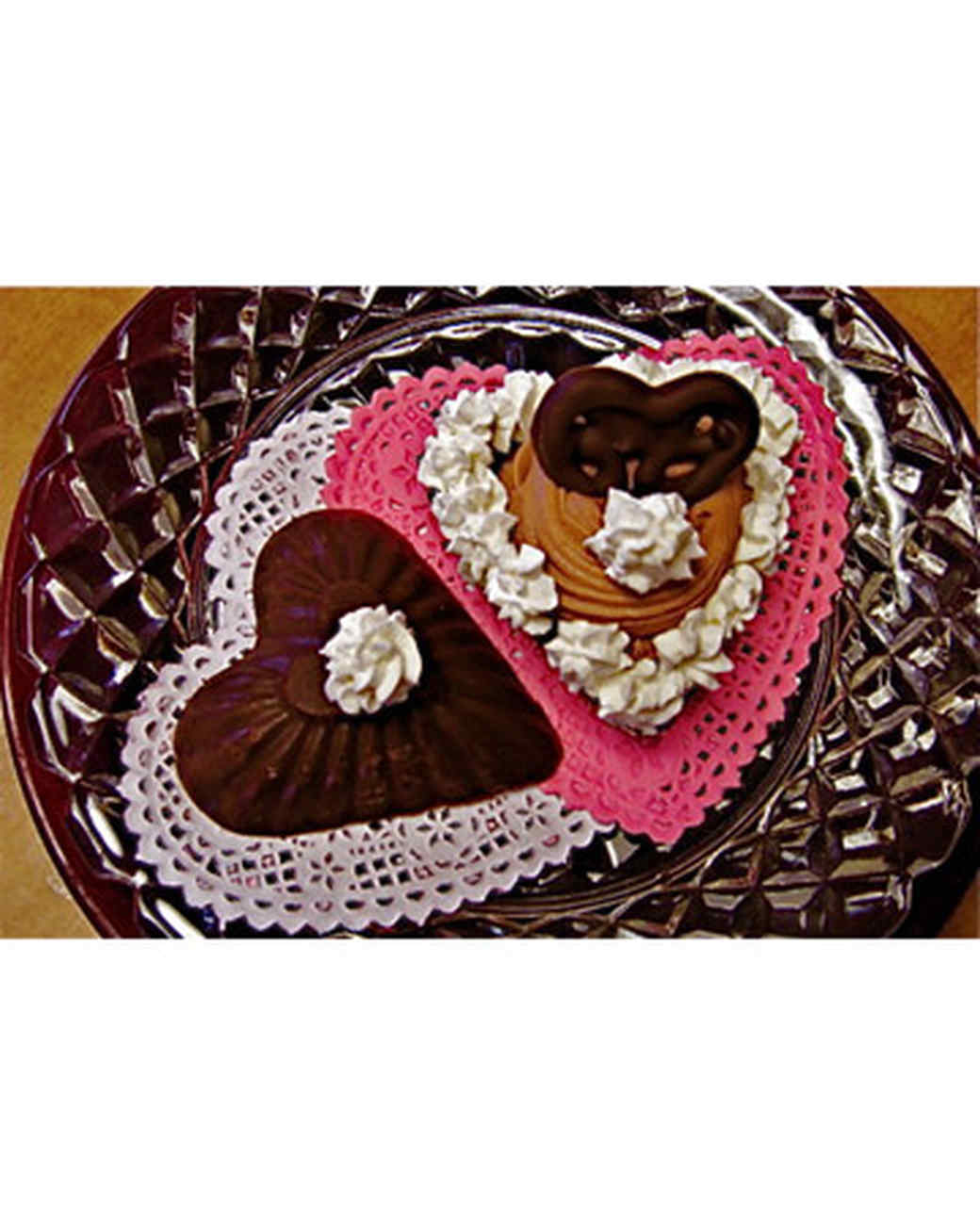 vday_treat_ugc09_choco_cheesecake_heart.jpg