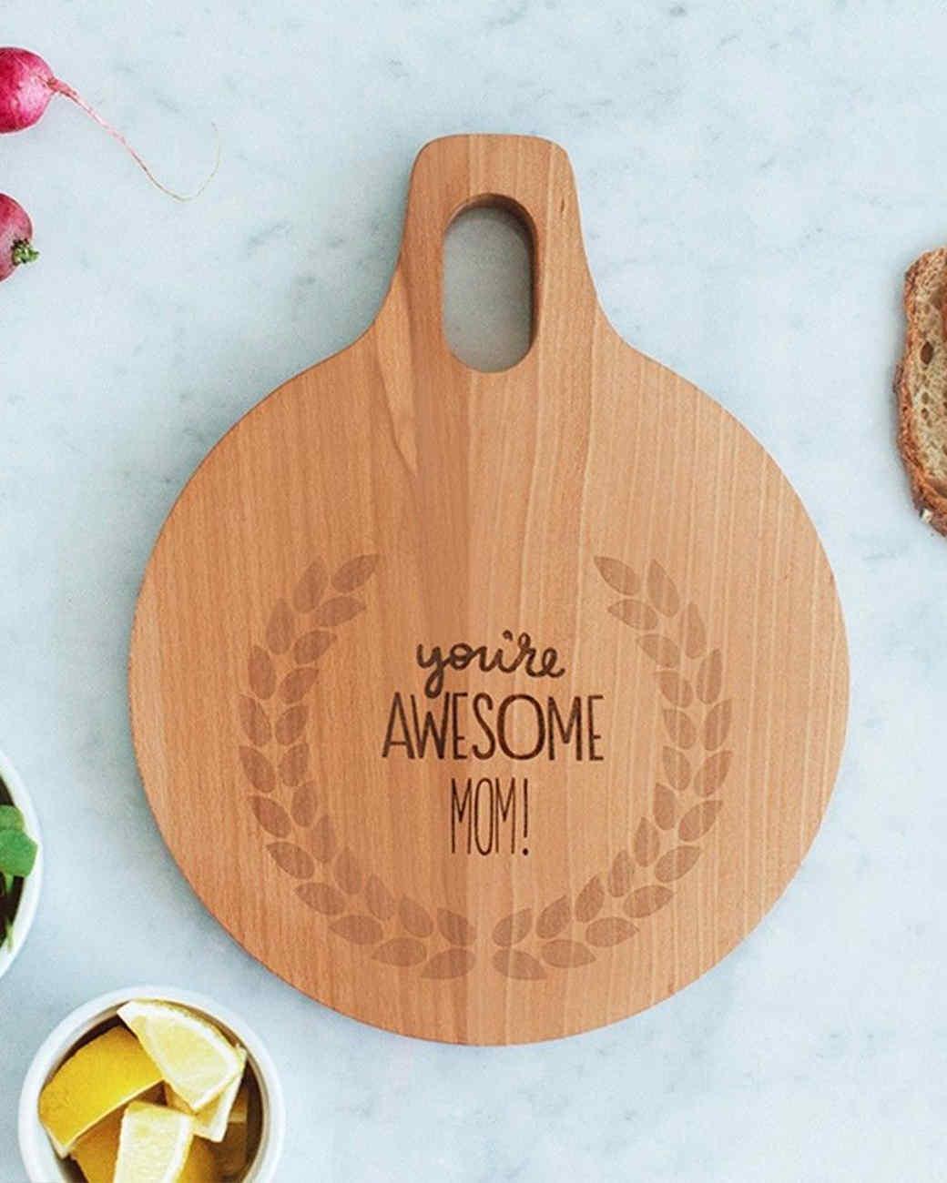 aheirloom-mothers-day-cutting-board-0414.jpg