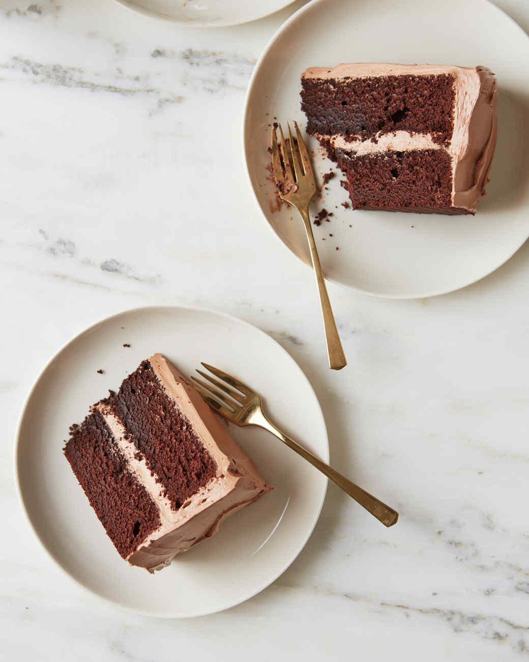 devils-food-cake-beauty-395-d112204-0915.jpg