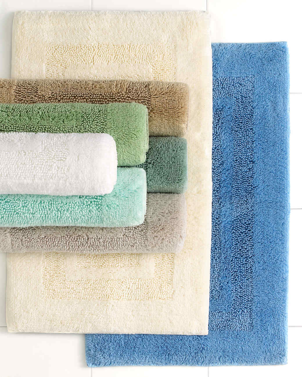 msmacys-checklist-bathroom-plushrugs-0515.jpg