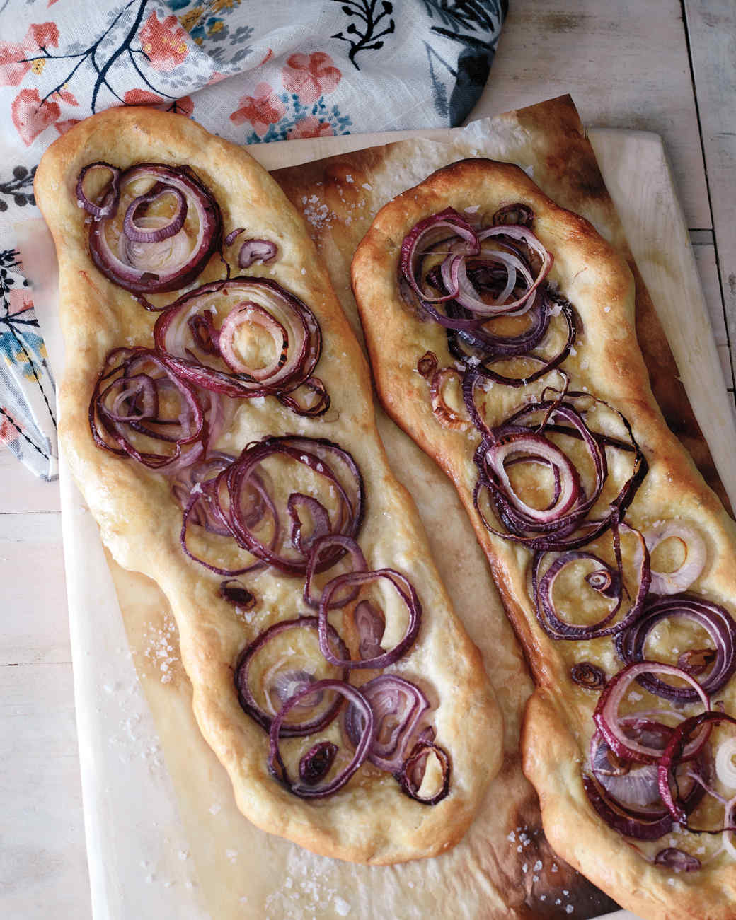 thanksgiving-onion-flatbread-0051-d112352.jpg