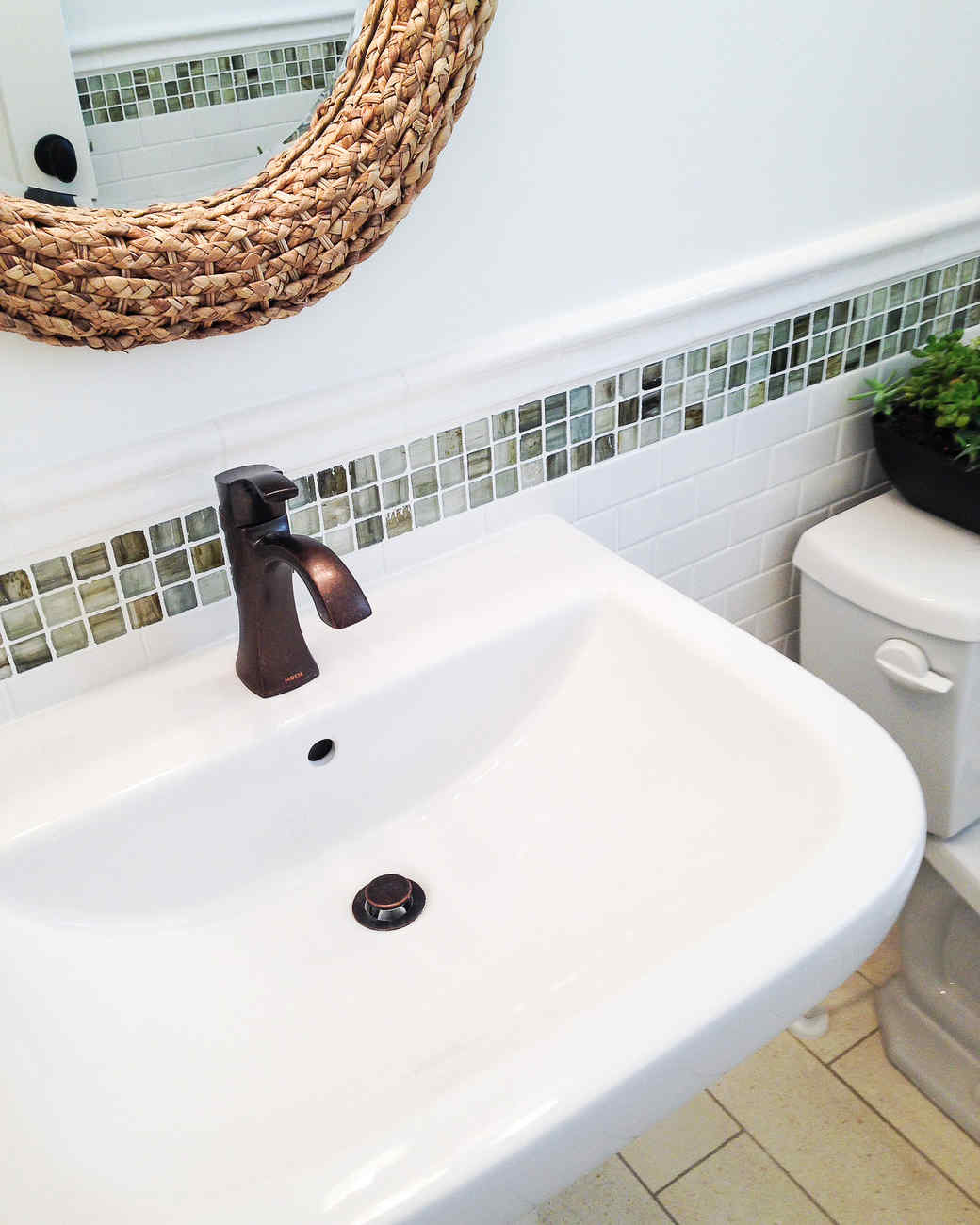 Our Homemade Happiness How To Clean A White Sink Without Bleach