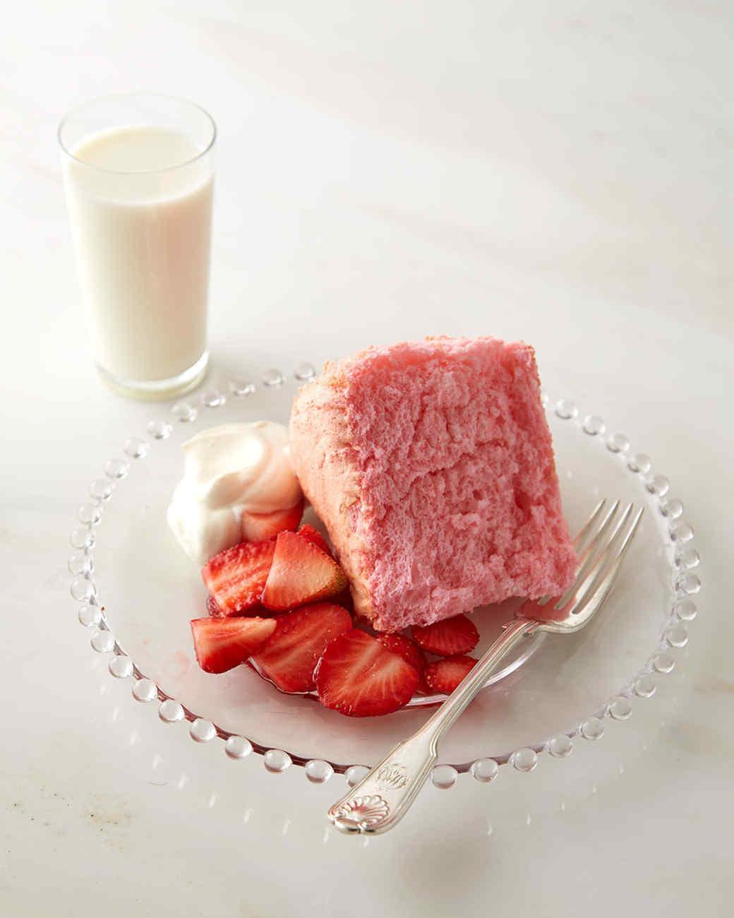 pretty-in-pink-angel-food-cake-433-d112925.jpg