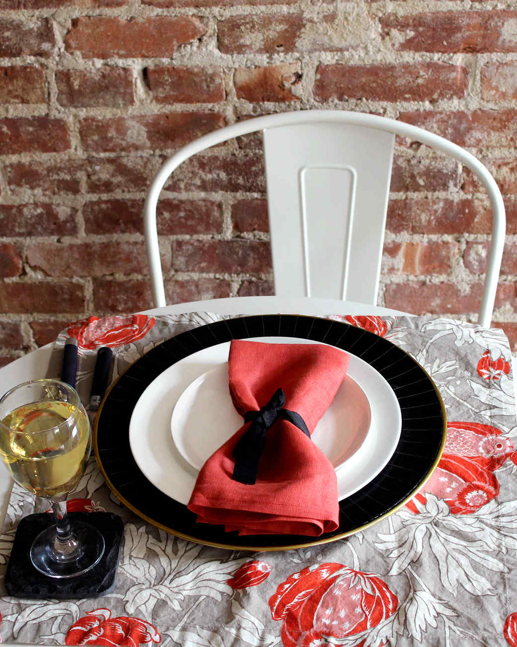 red-black-thanksgiving-table-setting2-1115.jpg