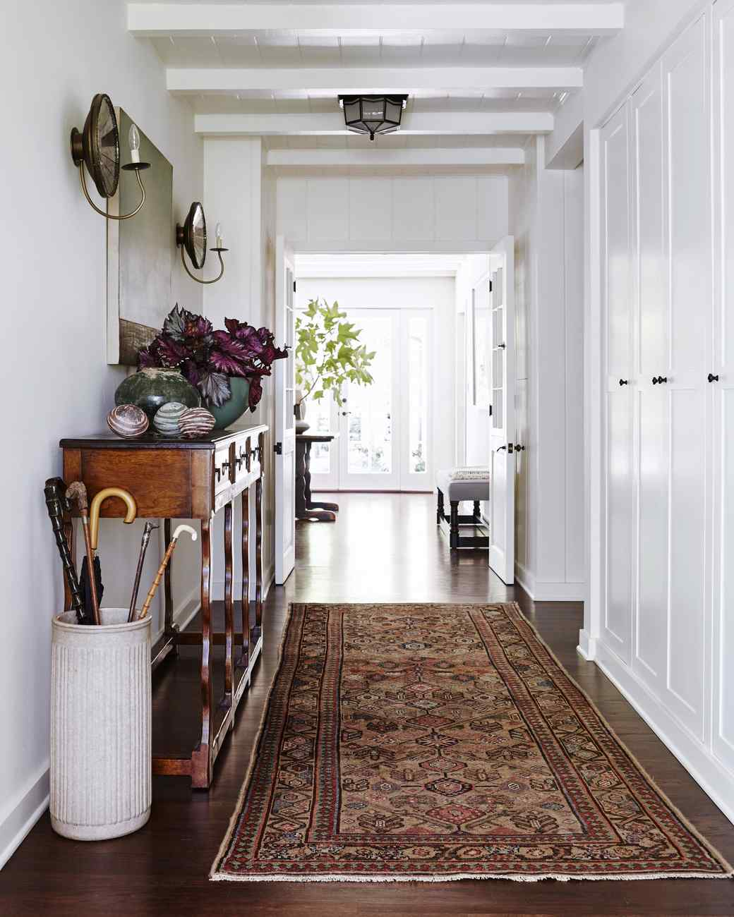 6 things you can learn from this old californian ranch 39 s for Home hall furniture