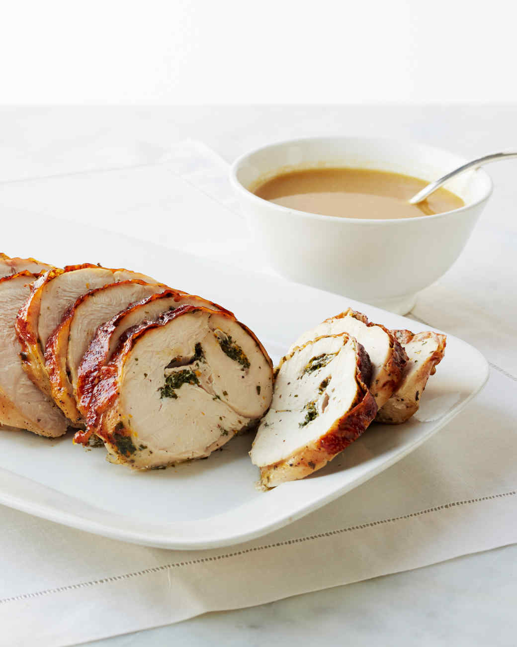 roasted-turkey-breast-with-herbs-023-d111289.jpg