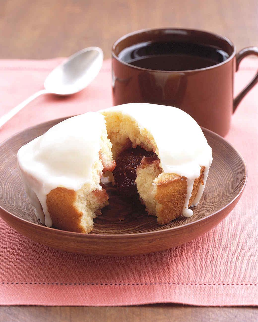 Individual Strawberry-Jam Cakes