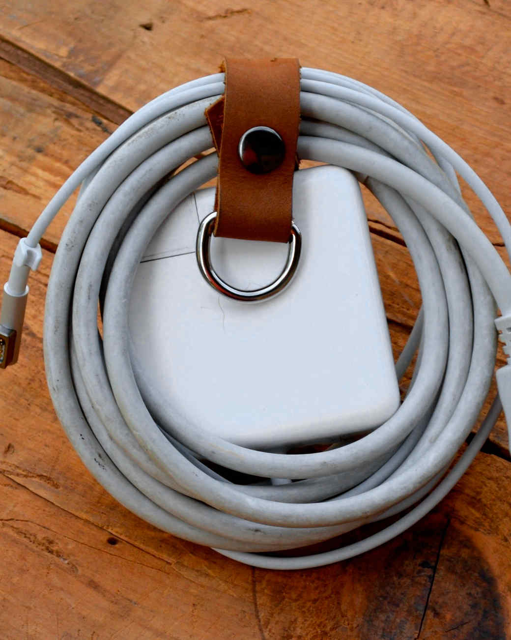 dust-bowl-dry-goods-leather-charger-wrap-0915.jpg