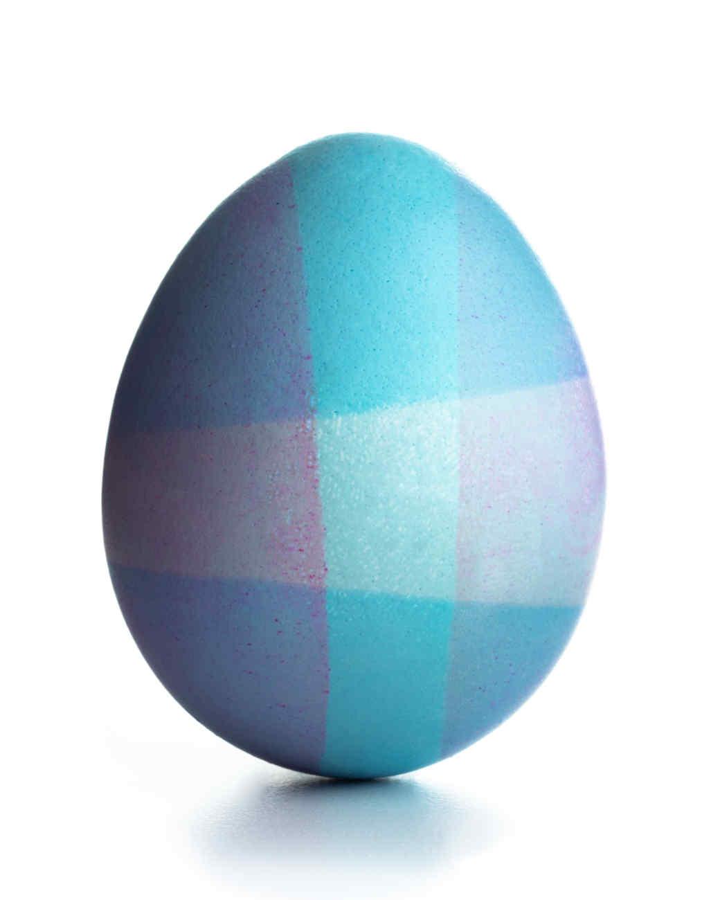 egg-dyeing-app-d107182-wax-dip-blue-plaid0414.jpg