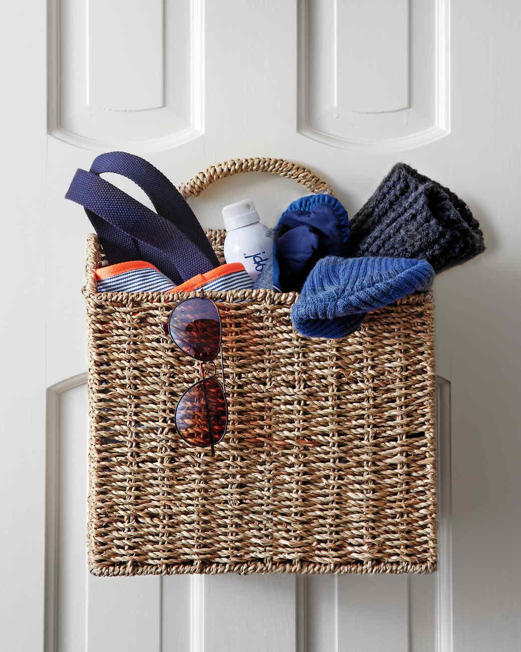 hanging-basket-detail-summer-006comp-md110840.jpg