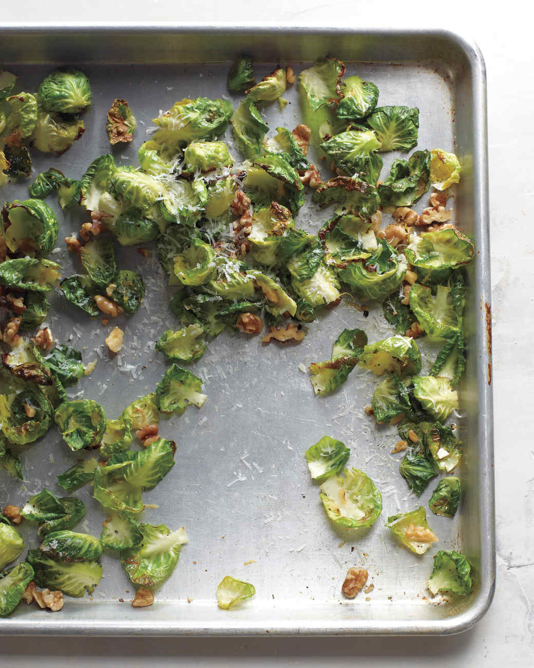in-season-crispy-brussel-leaves-035-med109000.jpg