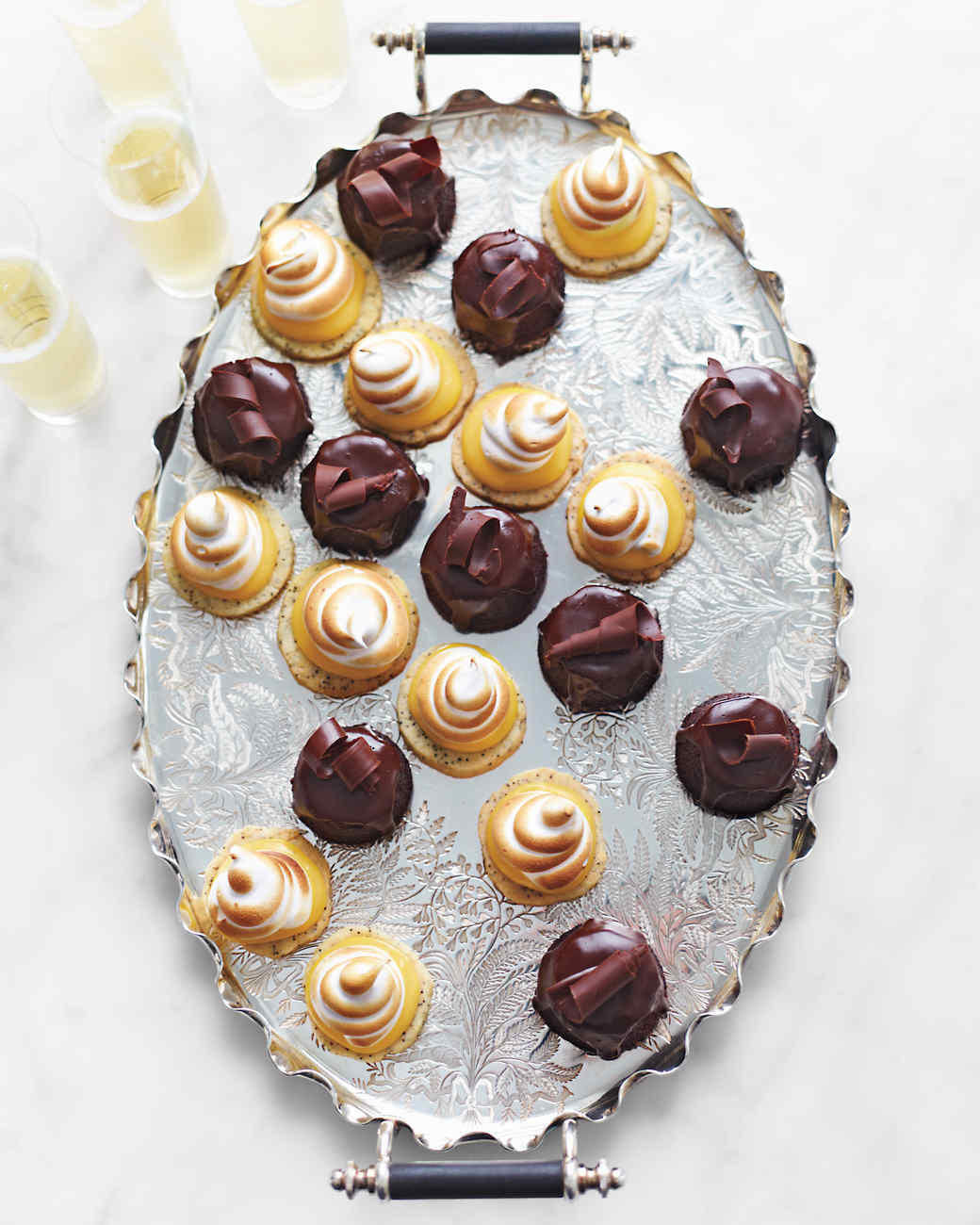 mini-chocolate-cakes-a130522-11-57985-md110267.jpg