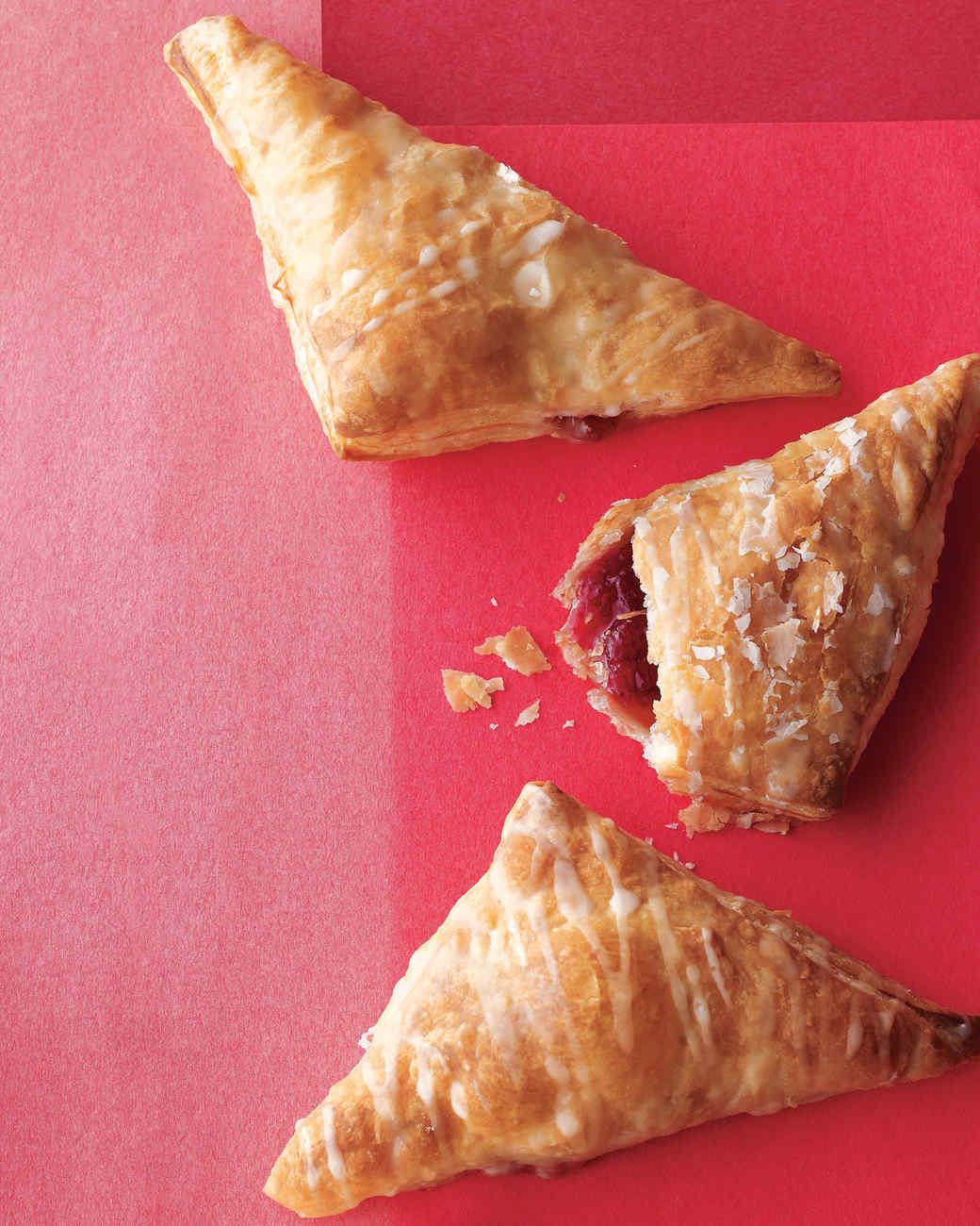 desserts-strawberry-jam-handpies-med108749-001b.jpg