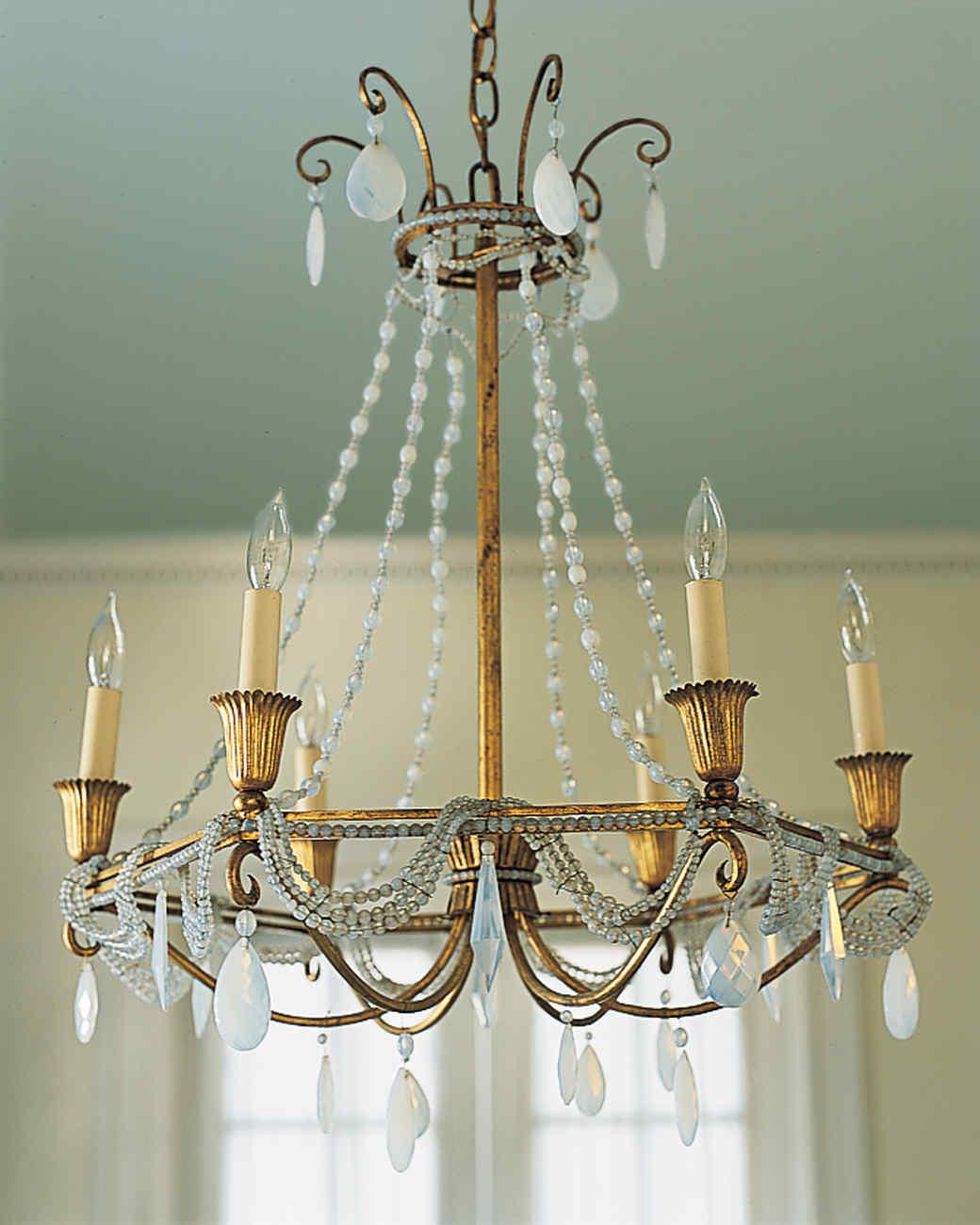 chandelier-subtle-transformation-01-d100768-0815.jpg