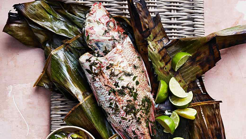 arabian gulf style fish in banana leaves