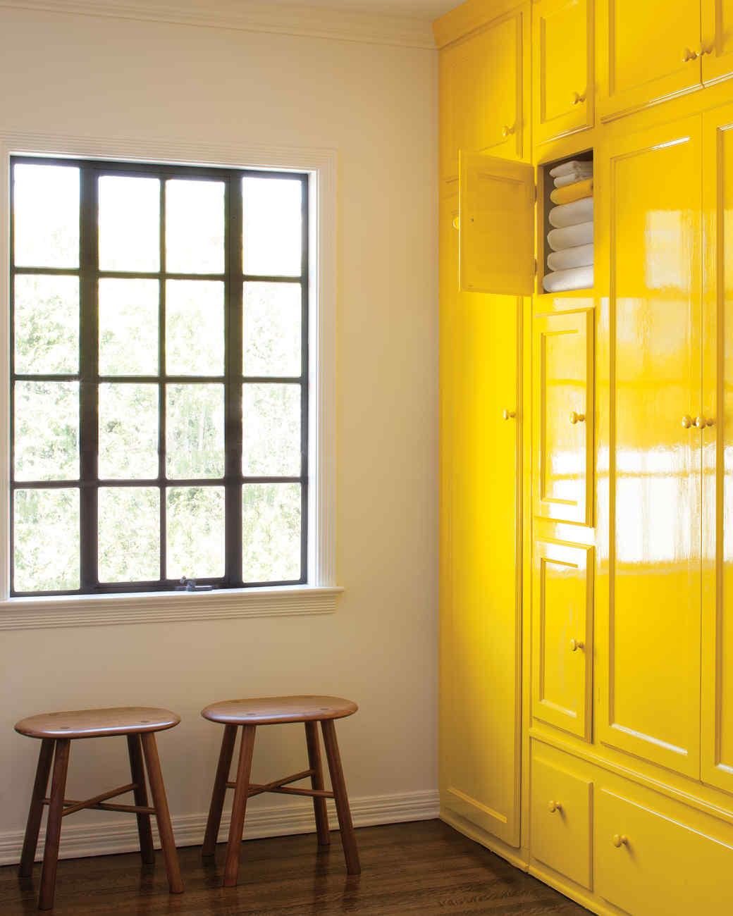 Bright Colored Walls. Bedroom Ideas Olive Green Color Dress Walls ...