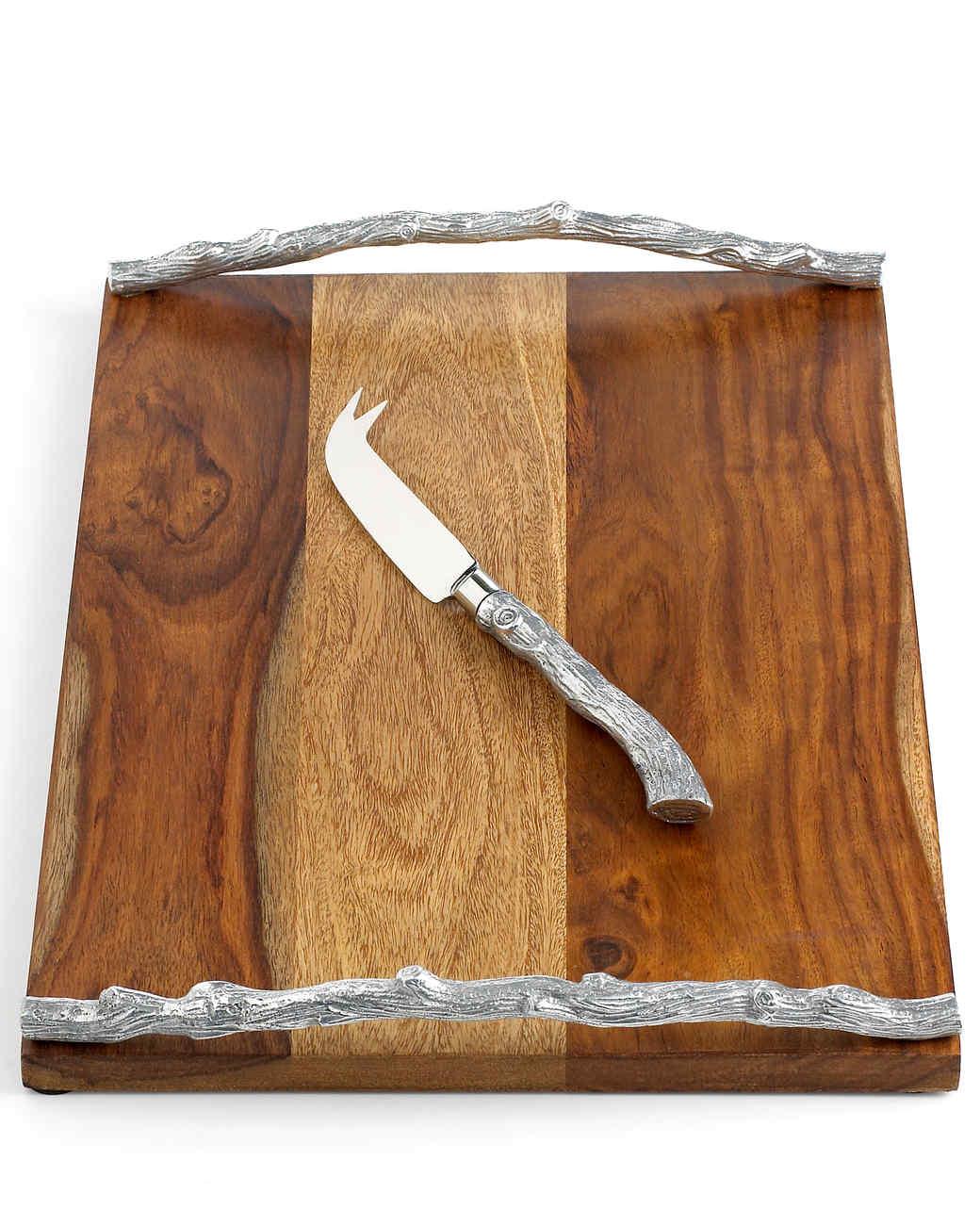 msmacys-parkwoods-cheeseboardwithknife-retail-0214.jpg