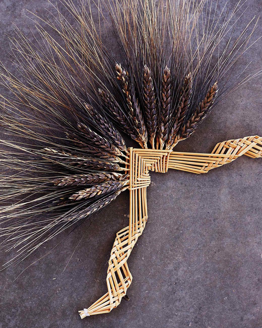 hayden-flour-mills-emma-weaving-sheaves-114-d112232.jpg