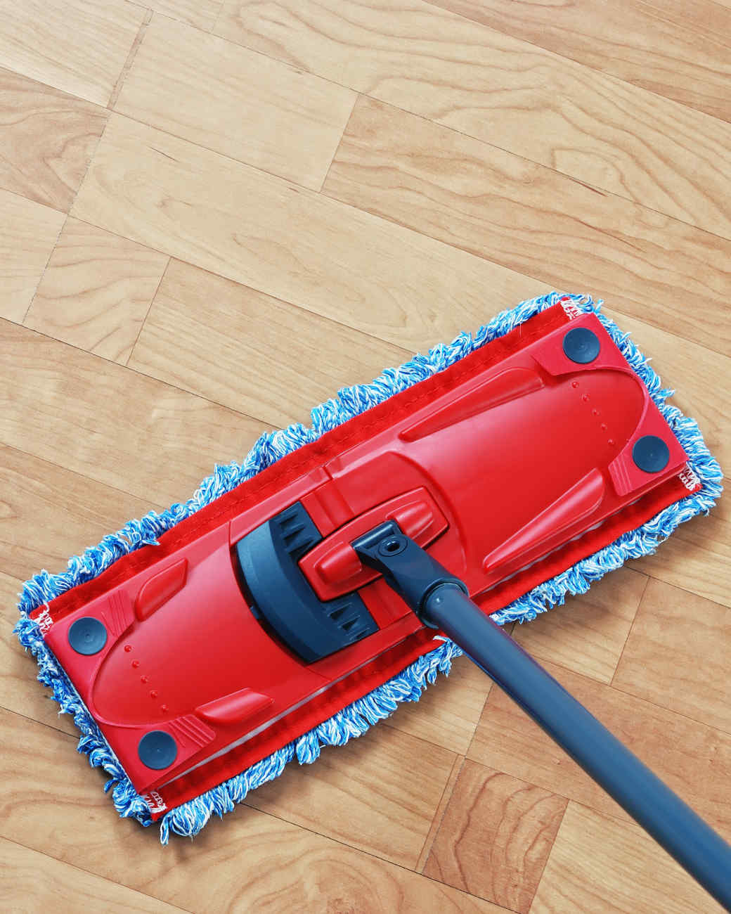 clean-messiest-kitchen-surfaces-laminate-flooring-0316.jpg
