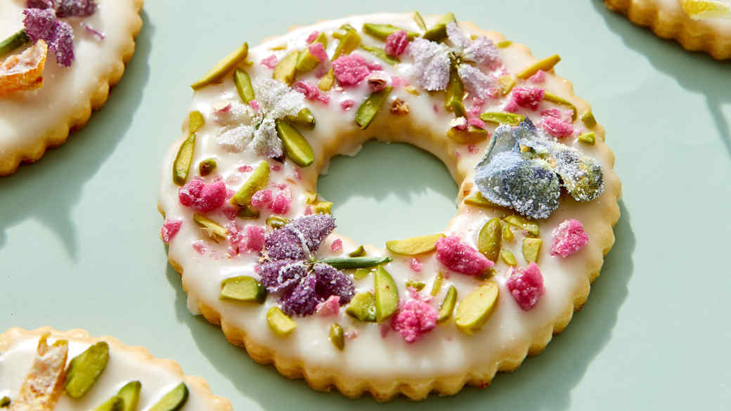 Embellished Wreath Cookies