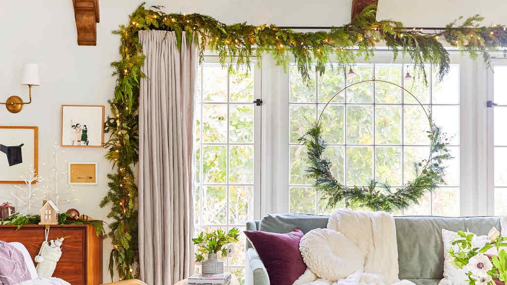 emily henderson christmas decor wire wreath
