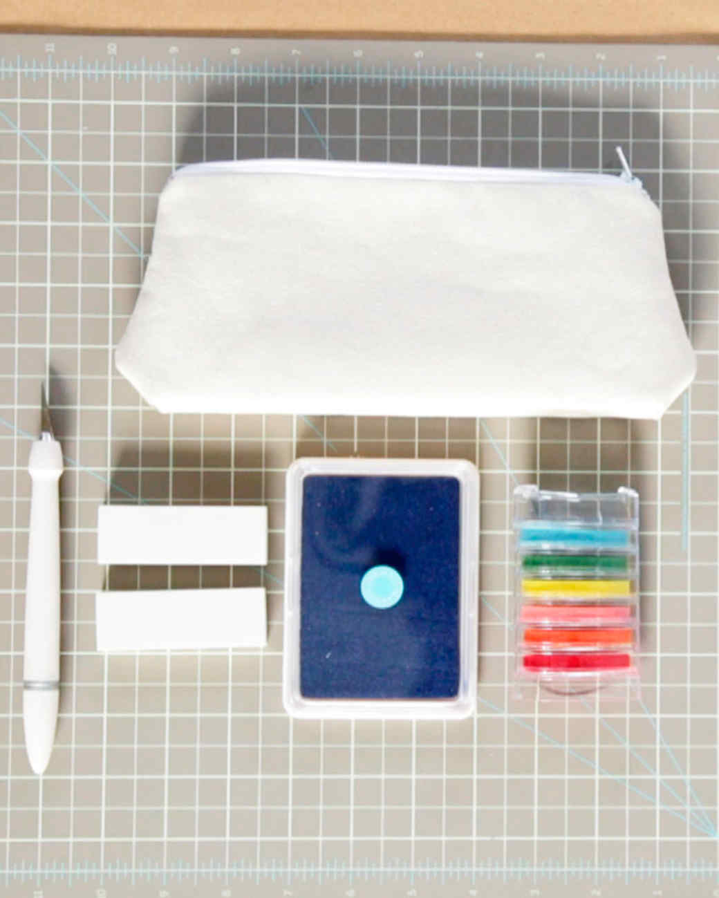 diy-style-erin-furey-diy-makeupbag-craft-things-needed-201508-diy0051.jpg