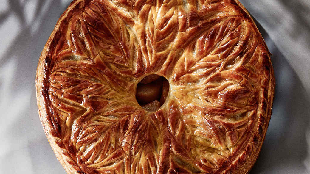 How to Make a Decorative Puff-Pastry Piecrust