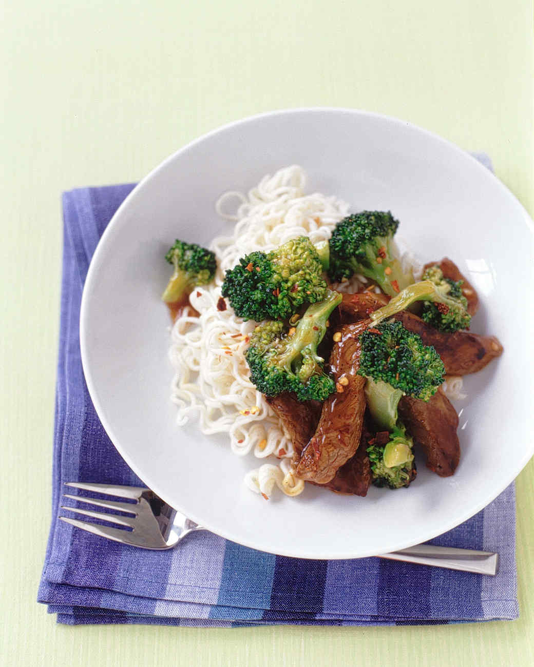 beef broccoli noodles