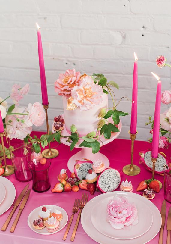 pink_ombre_cake_0512.jpg (skyword:276068)