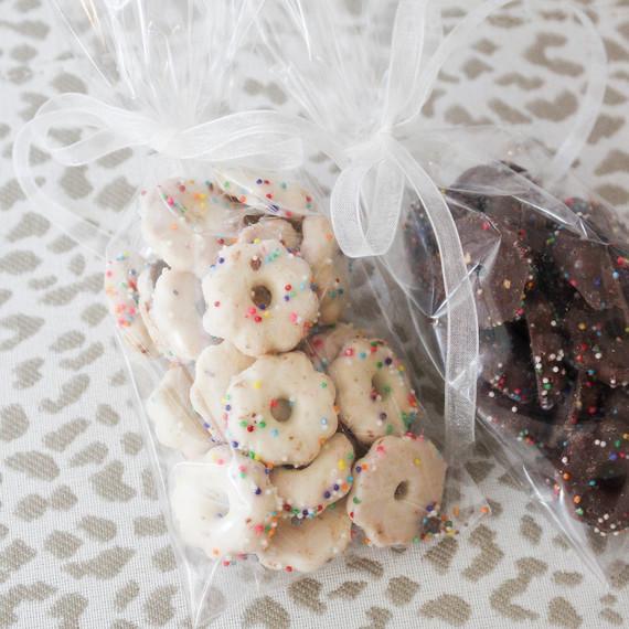 doughnut_cookies_0316.jpg (skyword:244193)