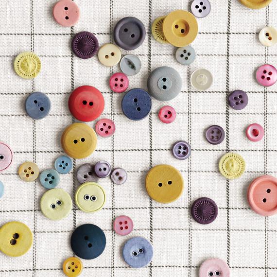 buttons-1-d111888.jpg