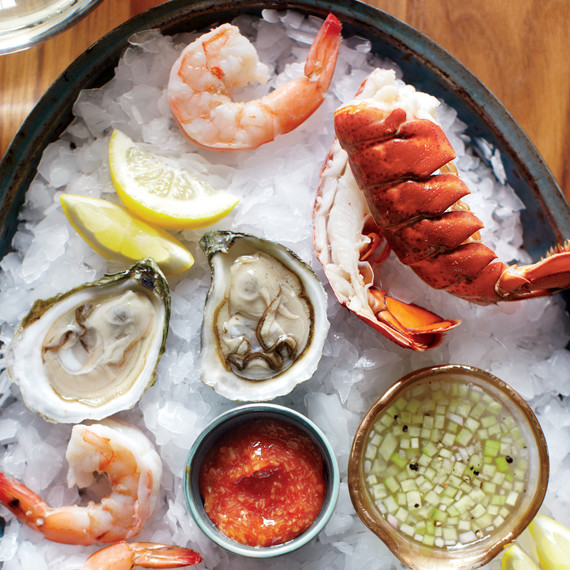 How to Build a Raw Bar