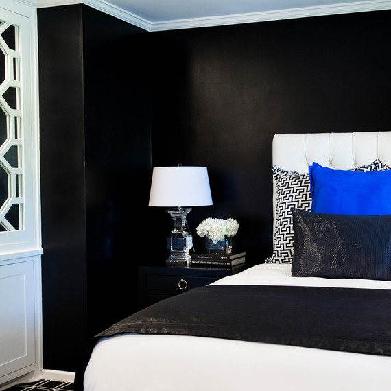 black-bedroom-1016.jpg (skyword:354929)
